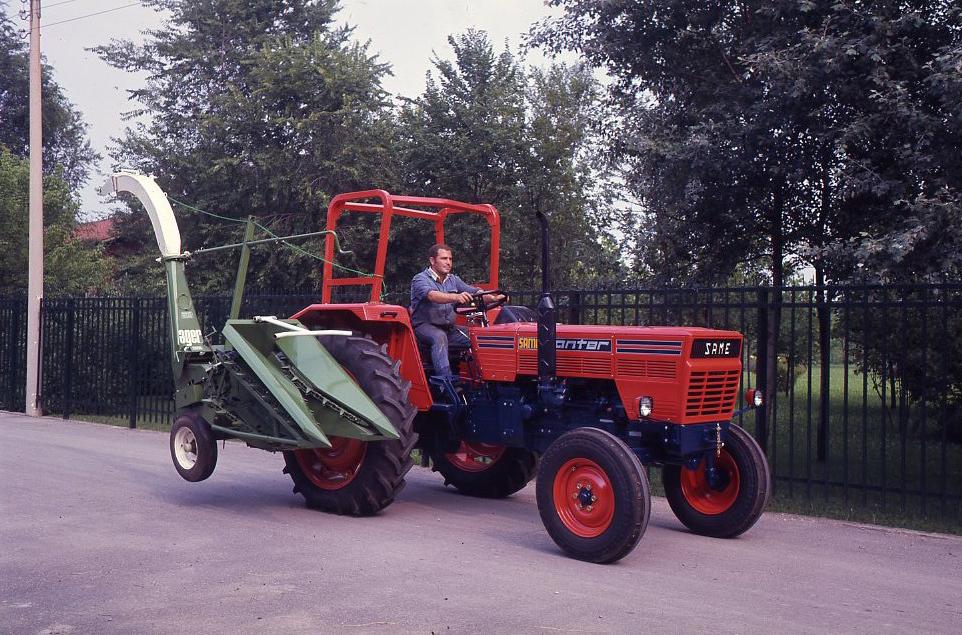 [SAME] trattore Panther con trinciaraccoglitrice da mais