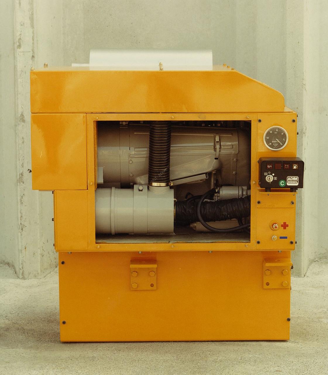 Motore ADIM per uso industriale - 3 cilindri con protezioni