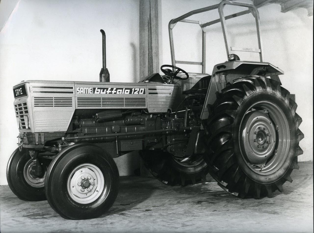 [SAME] trattore modello Buffalo 120