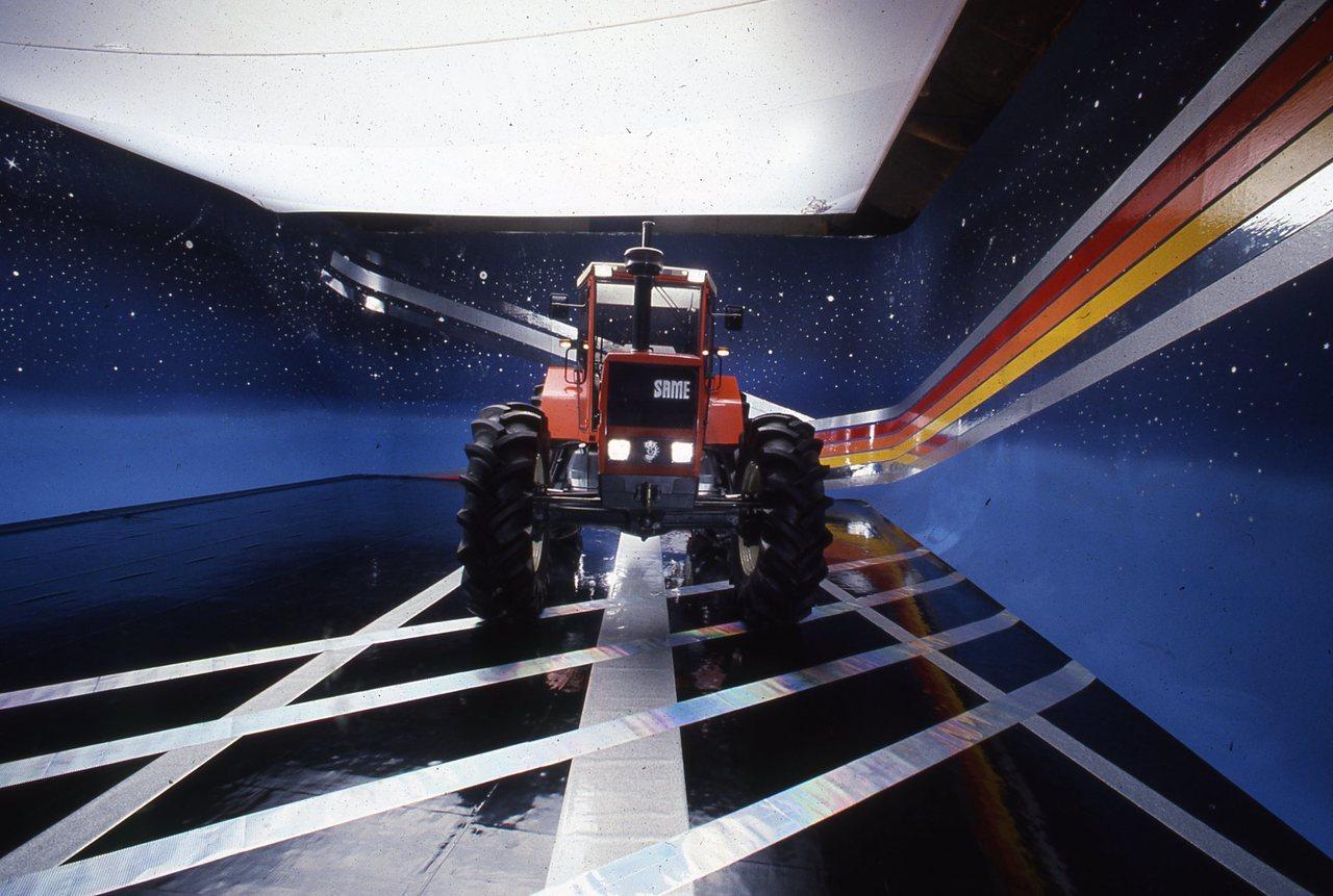 [SAME] trattore Galaxy 170 in studio fotografico