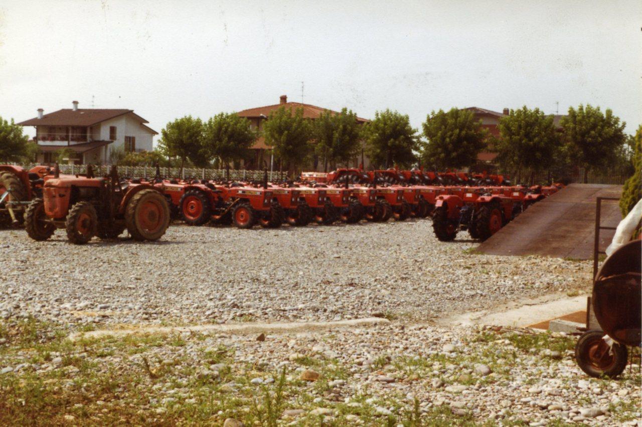 Trattori SAME Delfino 32 nel parco macchine del Concessionario F.lli Moretti