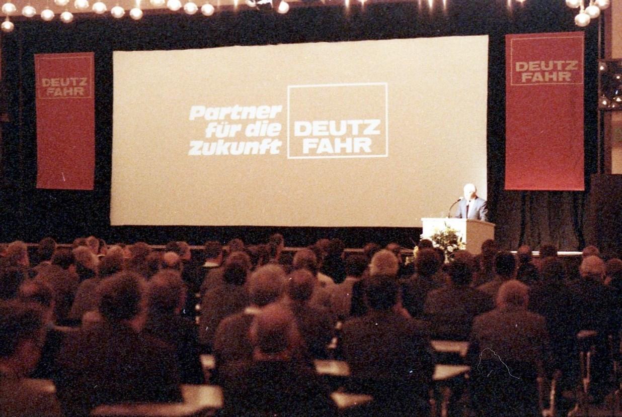 Händler Veranstaltung Köln 9+10.12.86 [Riunione concessionari a Colonia]
