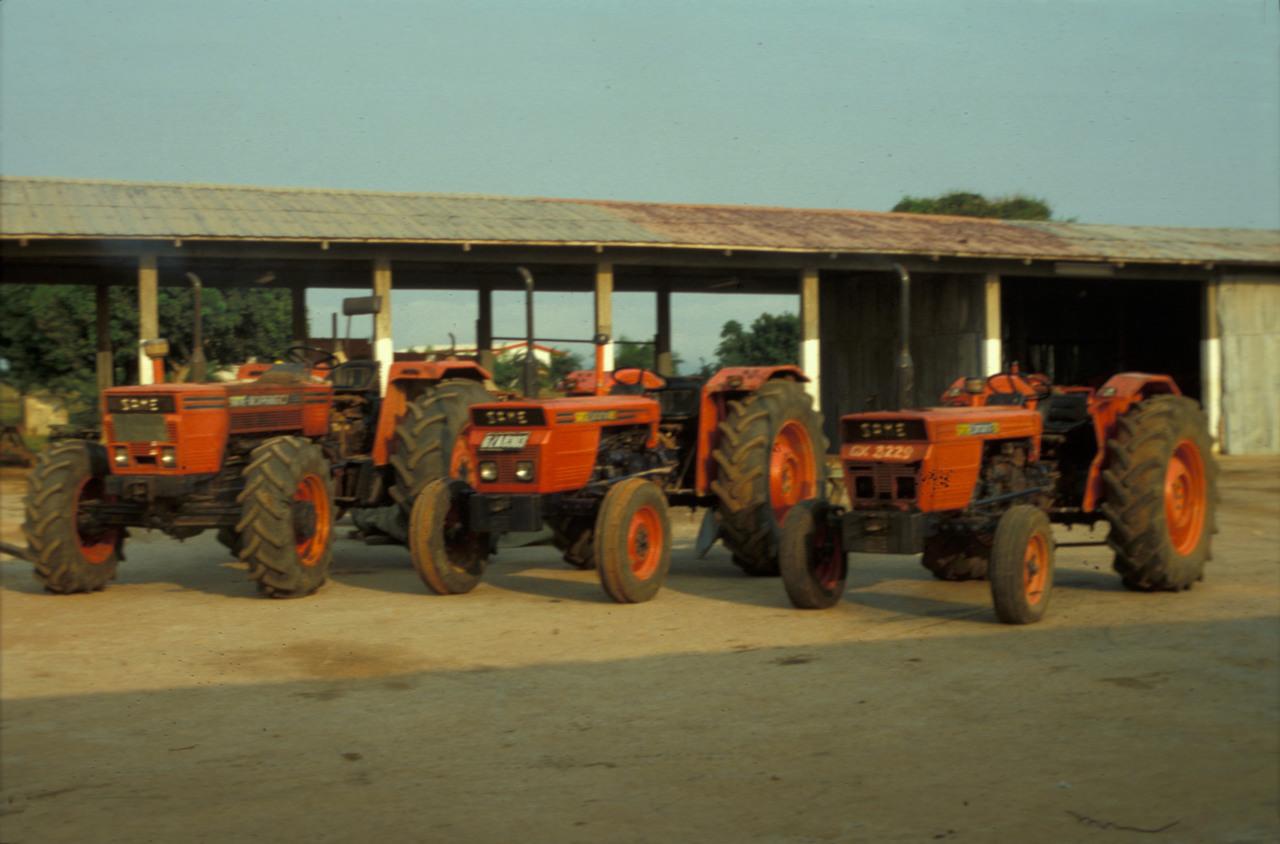 [SAME] trattori Saturno 80, Corsaro 70, Drago in azienda agricola in Africa