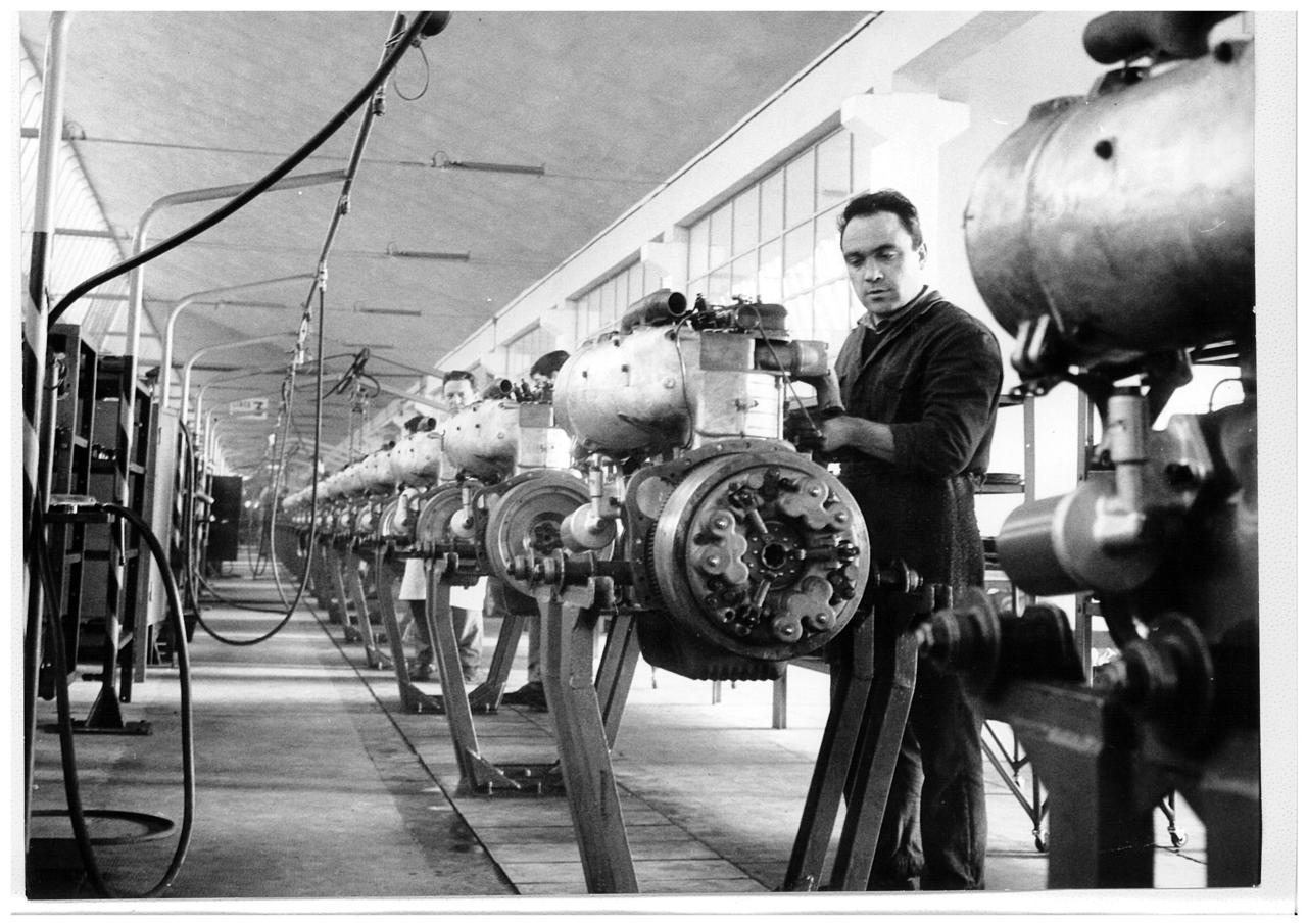 Stabilimento Same: linea montaggio motori