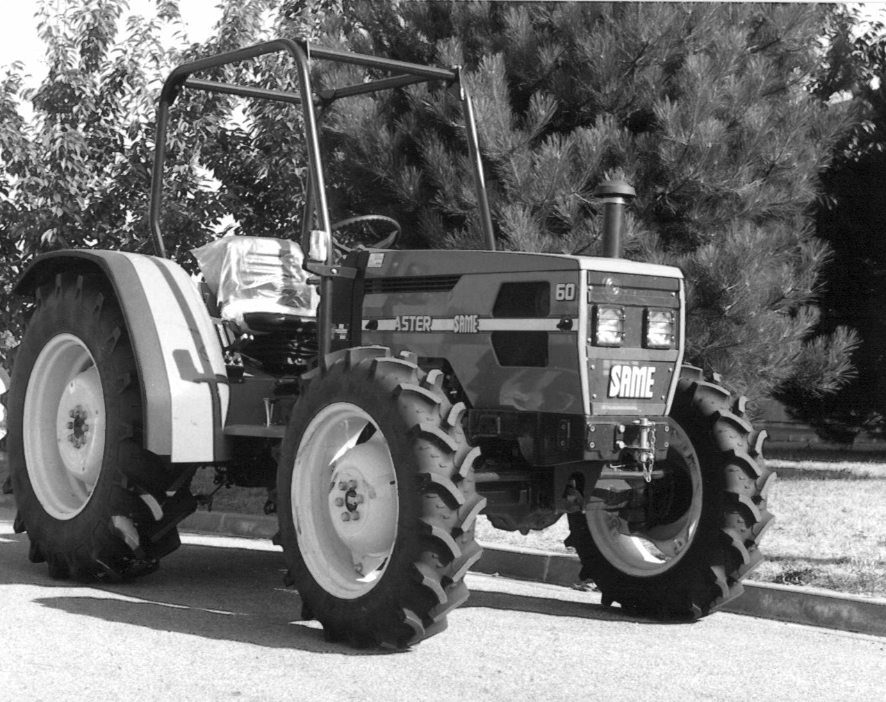 Trattore SAME Aster 60 con le 4 ruote motrici